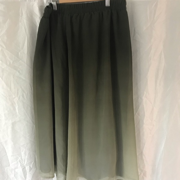 Old Navy Dresses & Skirts - Old Navy army green ombre midi skirt